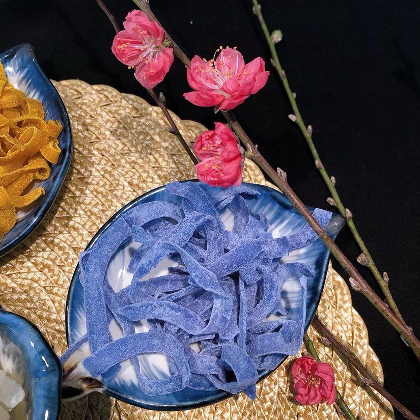 Vợ 9X mách cách làm mứt dừa ngũ sắc thơm ngon lại đẹp mắt6
