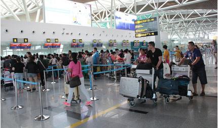 Bệnh viện Đà Nẵng cách ly 10 người bị sốt