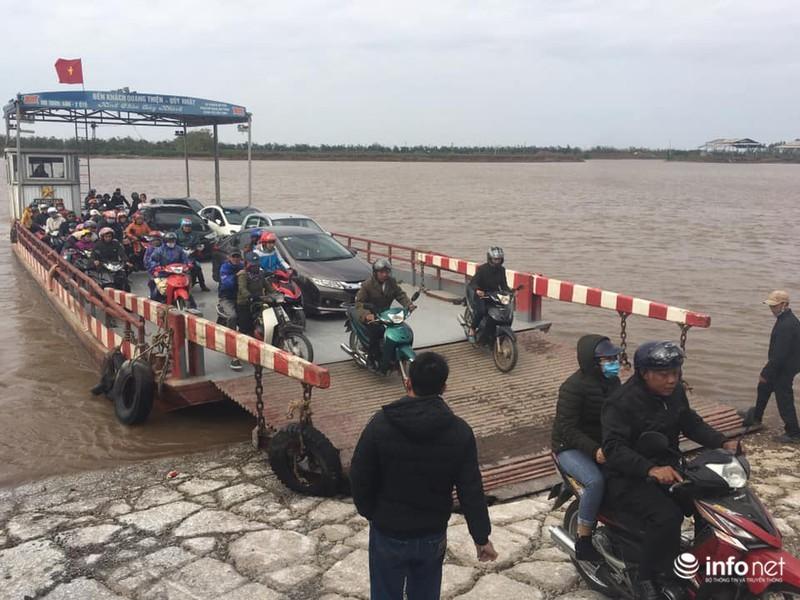 Kinh hãi những chuyến phà 'dỡn' mặt tử thần ở Nam Định - Ninh Bình 2