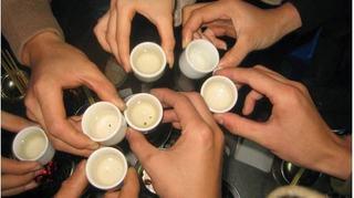Uống nhiều rượu có thể làm tăng nguy cơ phát triển ung thư