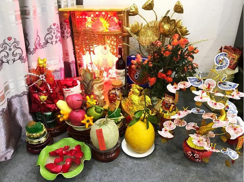 Khi cúng Thần tài - Thổ địa, bạn nên đọc theo văn khấn Thần Tài - Thổ Địa theo phong tục của người Việt