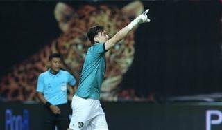 Văn Lâm thi đấu xuất thần giúp Muangthong vào chung kết Leo Cup 2020