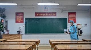Hà Nội phun khử trùng 3.000 trường học phòng dịch do virus corona