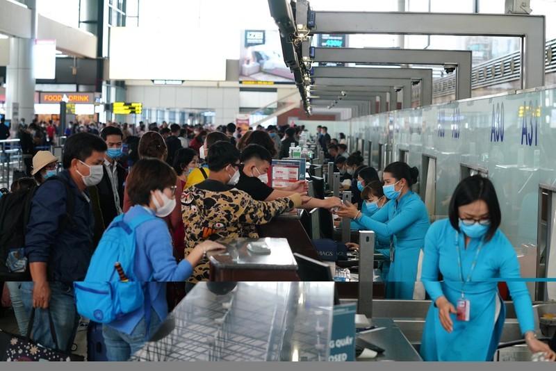 Chuyến bay 'đặc biệt' đưa người Việt ở Trung Quốc về nước