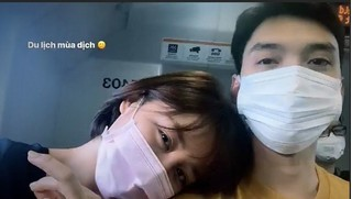 Văn Mai Hương đăng ảnh đeo khẩu trang kín mít đi du lịch cùng bạn trai