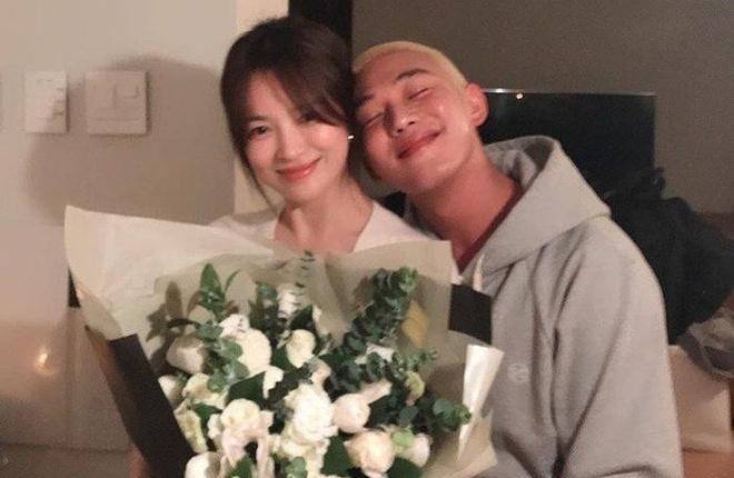 Song Hye Kyo và hàng loạt các nghệ sĩ ủng hộ nhân dân vùng dịch Vũ Hán