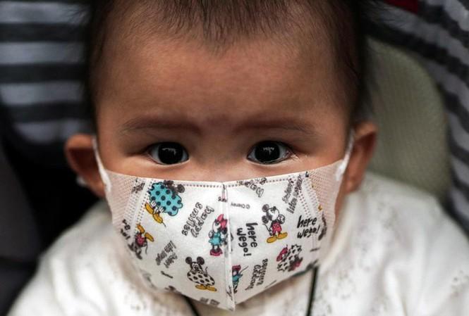 Chuyên gia cảnh báo virus corona có thể lây truyền từ mẹ sang con2