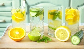 Đây là lý do bạn nên uống 1 ly nước chanh mỗi ngày trong mùa dịch Corona!