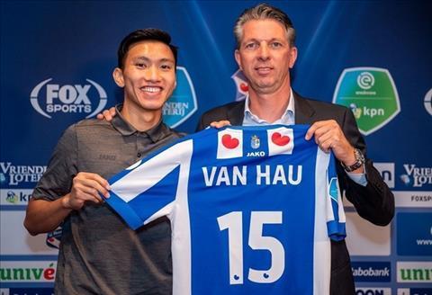HLV Heerenveen bị CĐV tẩy chay và chỉ trích dữ dội