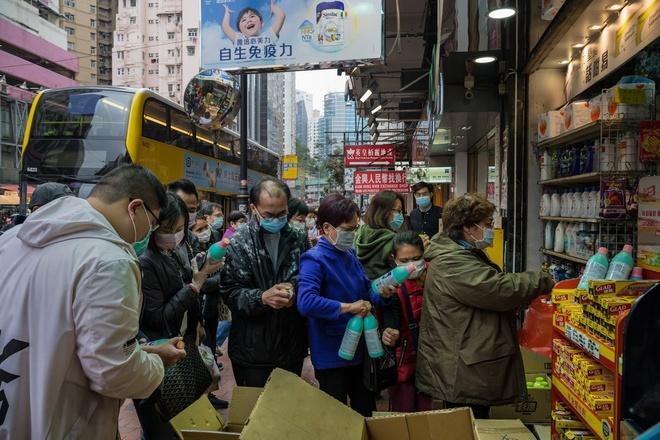 Đi ăn lẩu chung, gia đình 9 người ở Hong Kong nhiễm virus corona