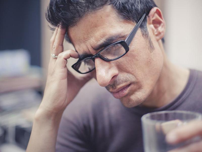 đau đầu kinh niên