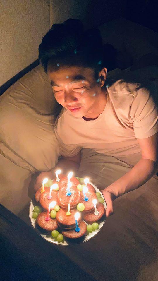 Nửa đêm, Đàm Thu Trang vào tận giường chúc mừng sinh nhật Cường Đô La