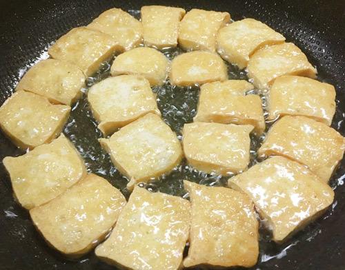 Cách làm đậu phụ sốt thơm ngon và tốn cơm2