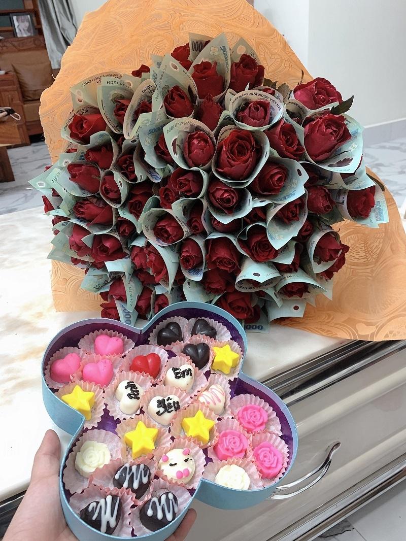 Anh chồng xứ Nghệ tặng vợ bó hoa 'polymer 500k' hot nhất mùa Valentine3