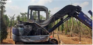 Bức xúc kẻ đốt trụi máy xúc của dân gây thiệt hại nửa tỷ đồng
