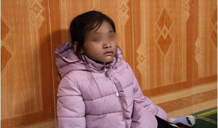 Vụ mẹ tử vong khi dắt con đi ăn xin trên cầu Thanh Trì: Bạc bẽo một kiếp người