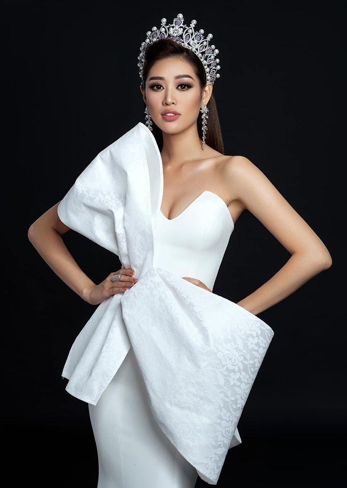 Hoa hậu Khánh Vân đội vương miện đẹp kiêu sa
