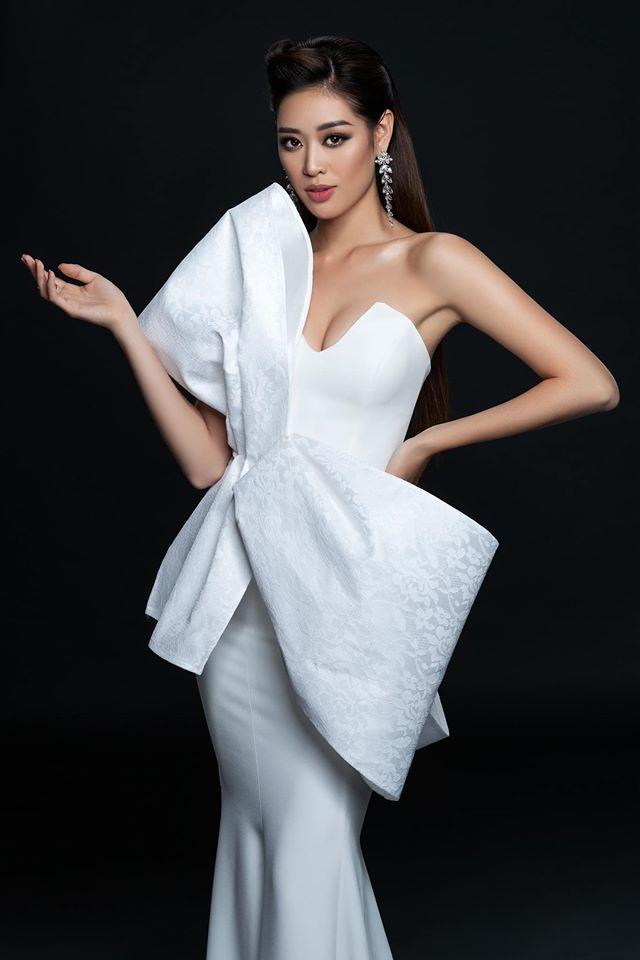 Hoa hậu Khánh Vân đội vương miện khoe vẻ đẹp kiêu sa