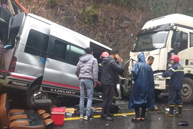 Nguyên nhân vụ tai nạn liên hoàn giữa 2 xe khách và xe đầu kéo