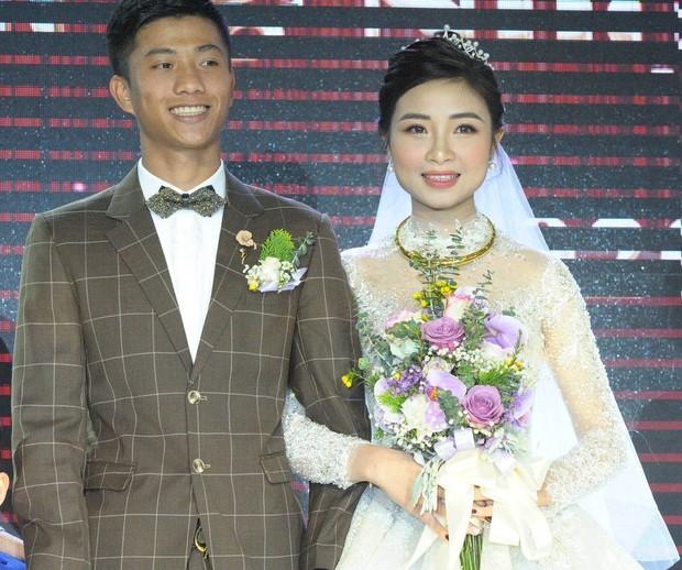 Vợ chồng Văn Đức- Nhật Linh đón tin vui sau đám cưới