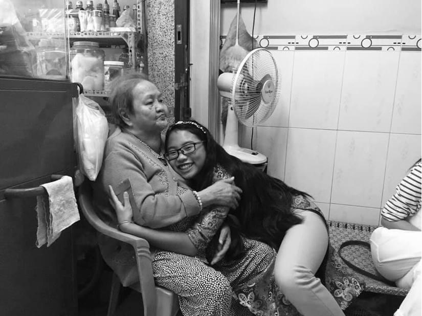 Phương Mỹ Chi đau buồn, trống rỗng khi bà ngoại qua đời