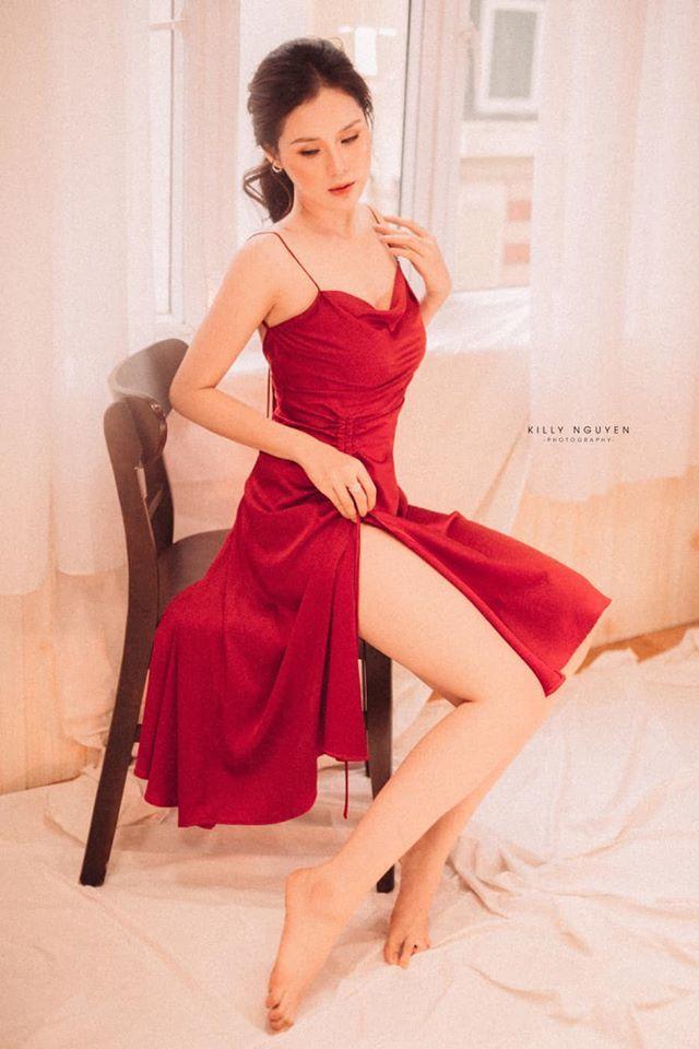 Người đẹp Huyền Trang gây sốt với loạt ảnh buông lơi vai trần gợi cảm8