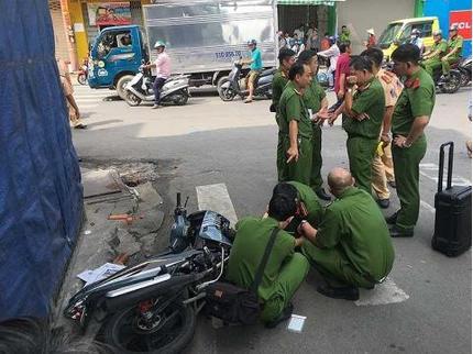 Phát hiện du khách nước ngoài tử vong trên vỉa hè Hà Nội