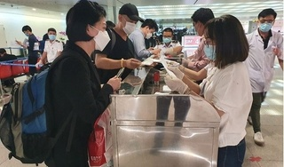 Cách ly 3 khách Hàn đến TP HCM