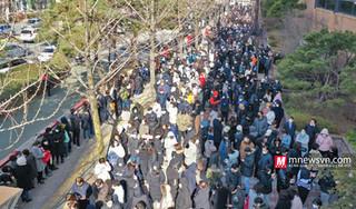 Người dân Hàn Quốc xếp hàng dài mua khẩu trang, nhiều người vẫn về tay trắng