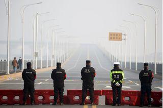 Trung Quốc trừng phạt quan chức tự ý thông báo nới lỏng lệnh phong tỏa Vũ Hán