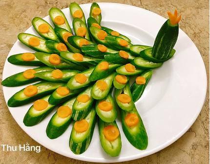 Mẹ đảm 'hô biến' những đĩa rau luộc đẹp như tranh vẽ khiến cả nhà mê mẩn