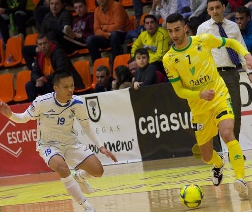 Phạm Đức Hòa đã có bàn thắng đầu tiên trên đất Tây Ban Nha