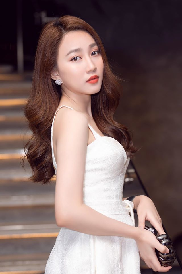 Huỳnh Hồng Loan bật mí gia tài sau 5 năm bước vào nghề diễn2