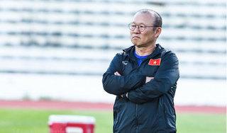 FOX Sports: 'HLV Park Hang Seo toát mồ hôi trước trận gặp Malaysia'