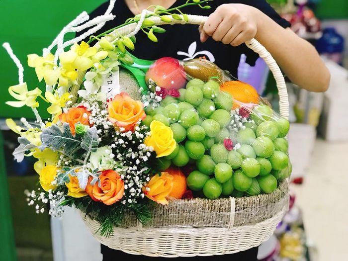Tặng giỏ hoa quả nhập khẩu cho đối tác, khách hàng nhân ngày 8/3