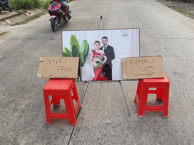 Đám cưới đối diện nhà nhau, cô dâu chỉ mất 10 giây để về thăm ngoại2