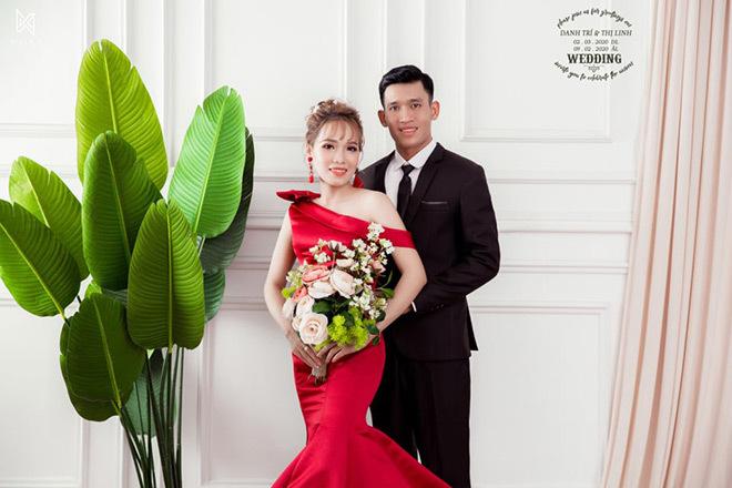 Đám cưới đối diện nhà nhau, cô dâu chỉ mất 10 giây để về thăm ngoại