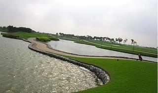 Hé lộ nguyên nhân tạm đóng cửa sân golf Vân Trì