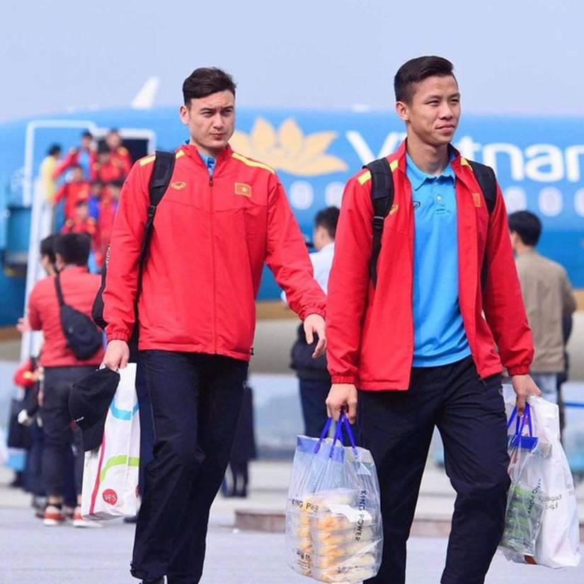 Cầu thủ Việt Nam chăm con khéo khiến  nguồi hâm mộ bất ngờ