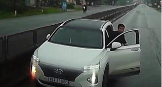 Phạt nặng tài xế ô tô đi ngược chiều trên quốc lộ 1A còn lớn tiếng dọa nạt