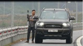 Phạt nặng người đàn ông dừng ô tô bắn chim trên cao tốc