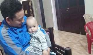 Bé trai 1 tuổi bị bỏ rơi dưới chân tượng Quan Âm cùng bức tâm thư