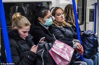 Anh cảnh báo khủng hoảng virus corona kéo dài đến năm 2021