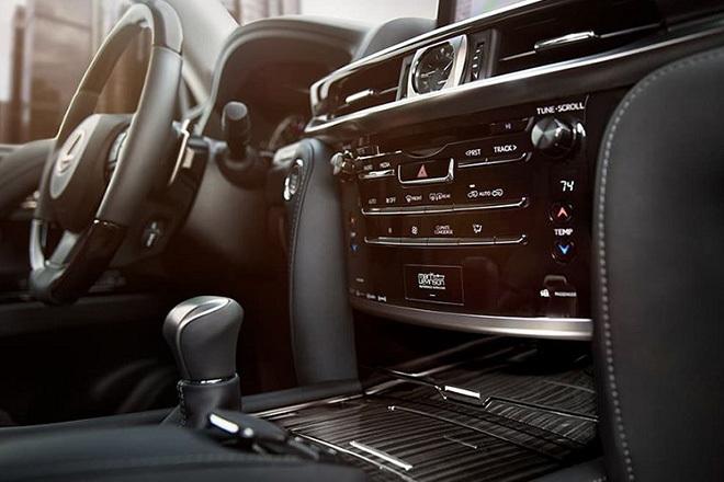 Soi chi tiết Lexus LX570 giá hơn 9,3 tỷ đồng tại Việt Nam5