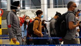 Chống Covid-19, Việt Nam tạm dừng cấp visa với tất cả các nước
