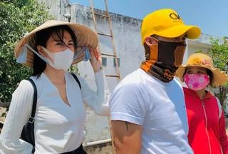 Thủy Tiên, Công Vinh đội nắng về miền Tây khảo sát lắp máy lọc nước