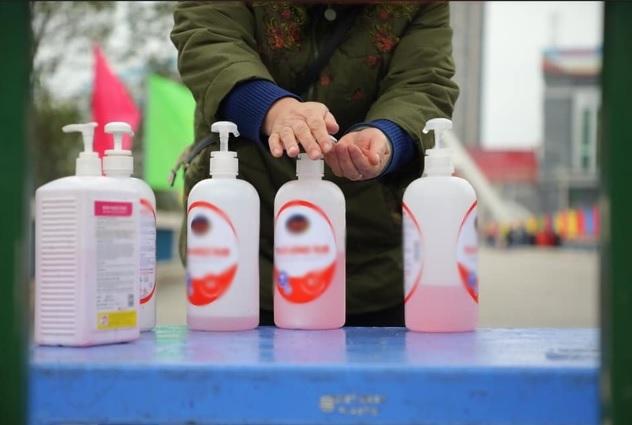 Chuyên gia khuyến cáo cách chọn mua nước rửa tay khô phòng Covid-19