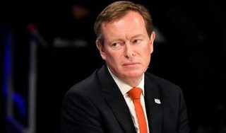 Sau 1 ngày ngất xỉu tại Quốc hội, Bộ trưởng Y tế Hà Lan xin từ chức