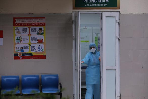 Cách ly 150 y tá, bác sĩ tiếp xúc với 2 điều dưỡng Bệnh viện Bạch Mai