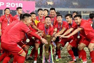 Các cầu thủ tuyển Việt Nam cùng nhau ủng hộ quỹ chống Covid-19